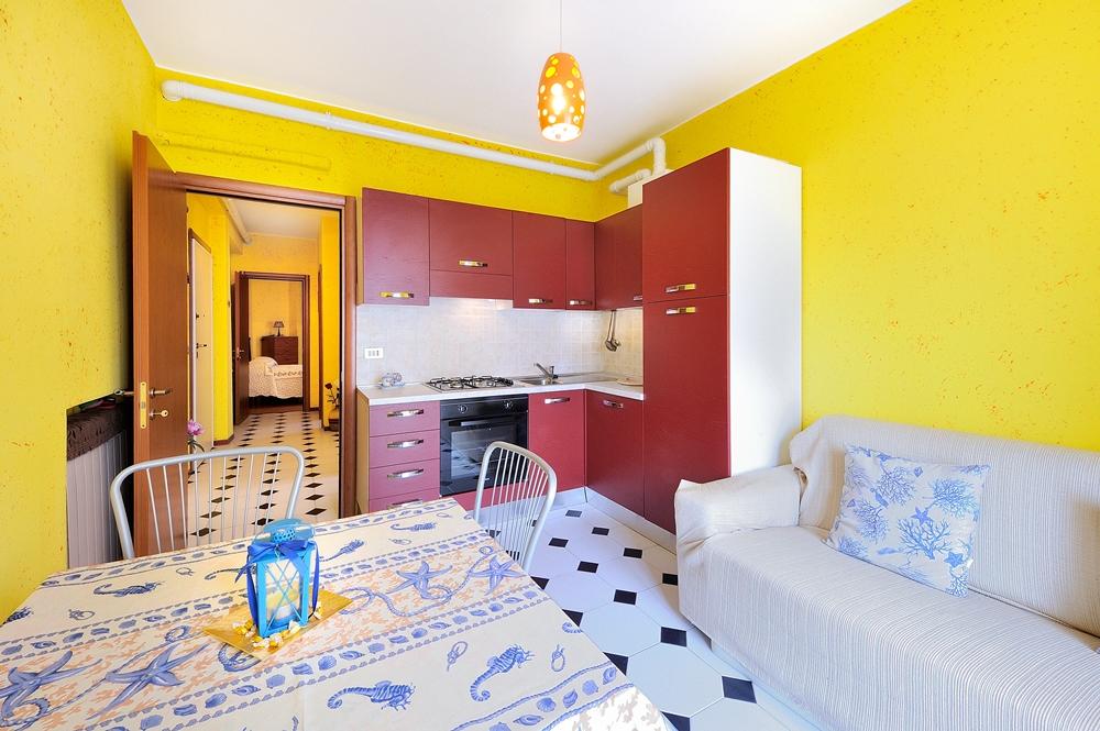 For sale a two room apartment on the Promenade in Arma di Taggia