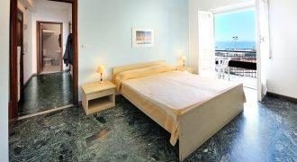 For sale a comfortable apartment on the Promenade in Arma di Taggia