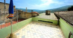 For sale a nice restored village house with terrace near Imperia