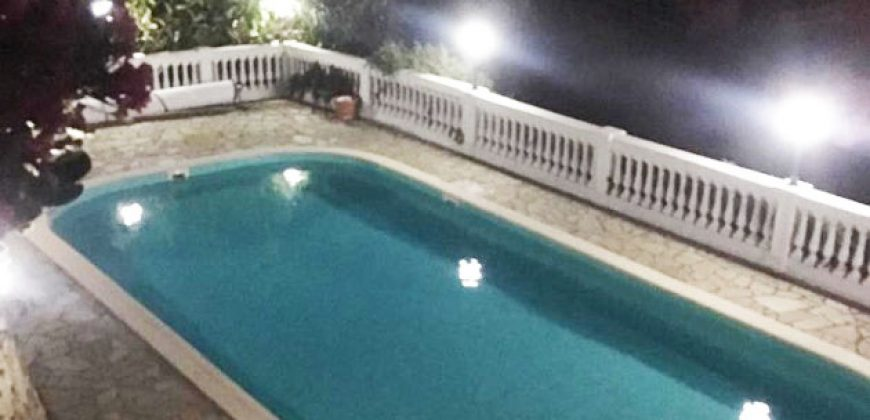 For sale a marvellous villa with swimming pool in Sanremo