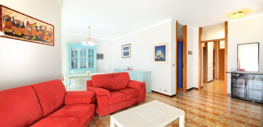 For sale a lovely apartment with private garden in Sanremo
