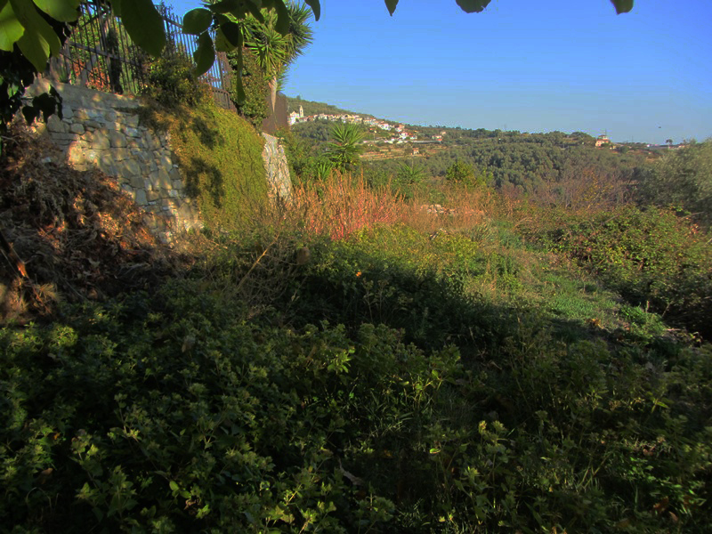 For sale a detached villa with sea view in Pompeiana