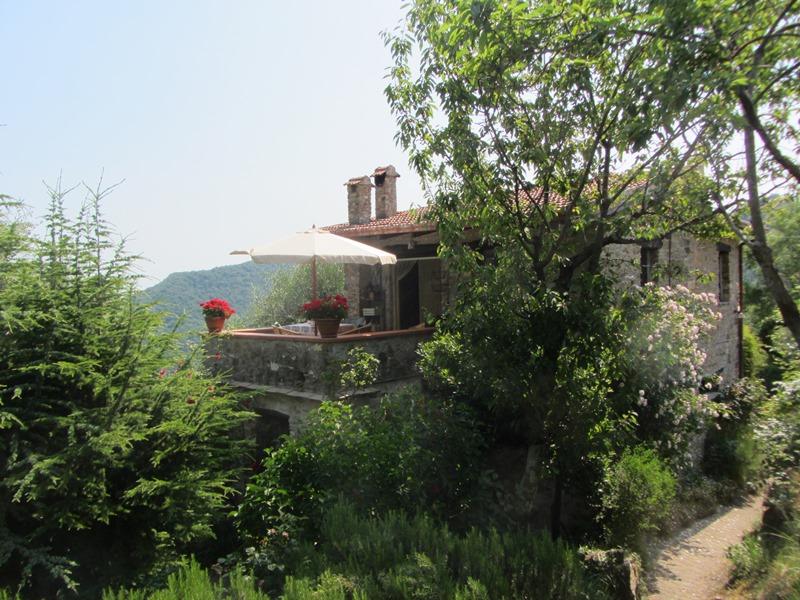 In vendita una romantico villa in stile rustico situato nel borgo Poggio Bottaro!