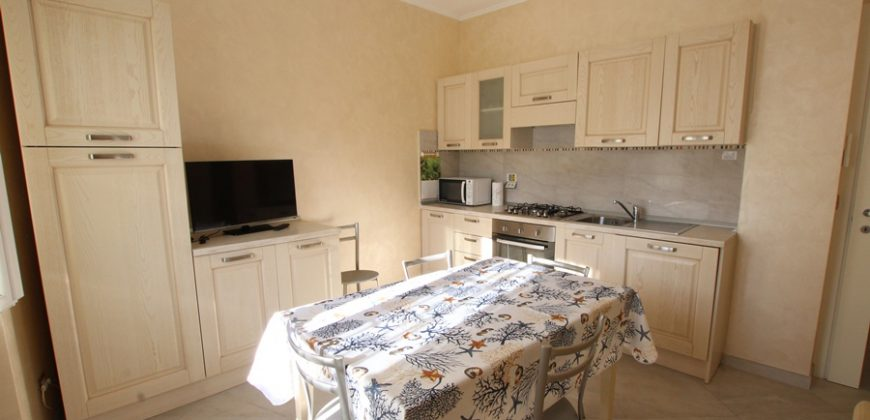 For sale a three rooms with terrace in Viale Kennedy