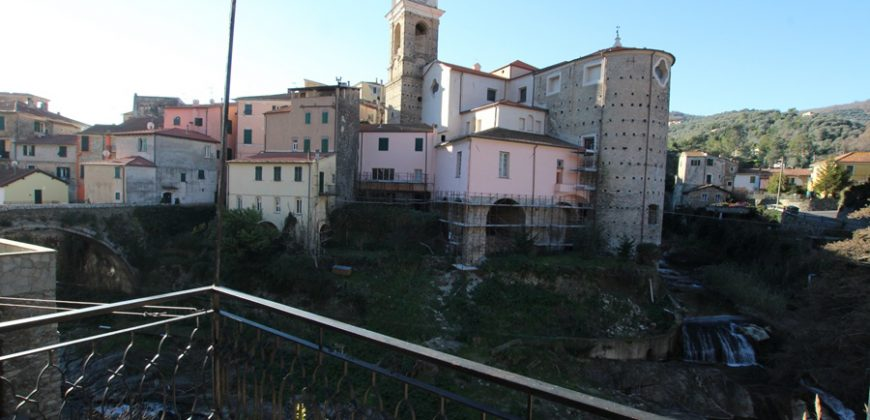 For sale a storical flat near the famous bridge Ponte dei Maltesi!