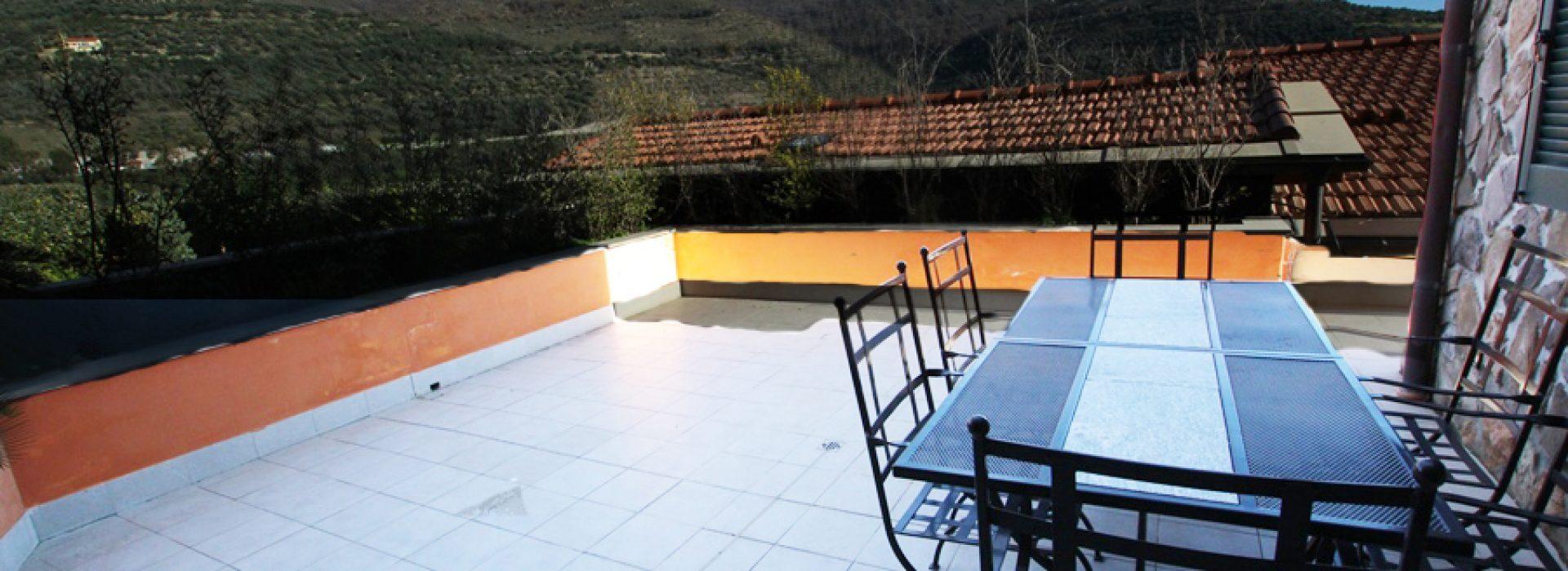Vendesi alloggio di classe in Castellaro Golf
