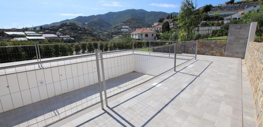 Till salu en ny tvårummare med trädgård och pool!