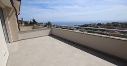 For sale a new top floor apartment with swimming pool