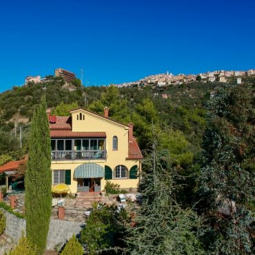 "Villa ""Lo Scoglio"" – Delightful property with Sea view"