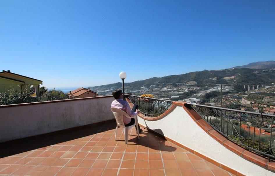 Till salu en underbar villa med panorama!