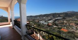 For sale a lovely villa with panoramic views