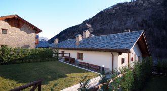 Vendesi bellissimo appartamento ad uso turistico in Prè Saint Didier