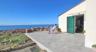 Till salu en ny villa med en otroligt fin utsikt!