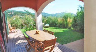 Vendesi bella villa a Vezzi Pontio (SV), vicino a Noli!