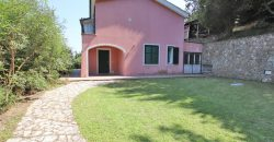 For sale a nice villa in the inland of Varigotti