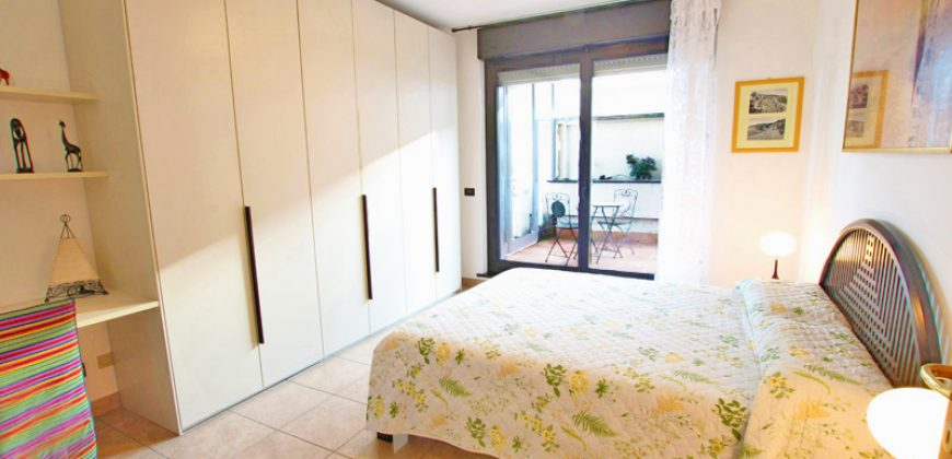 For sale a lovely penthouse in the center of Arma di Taggia