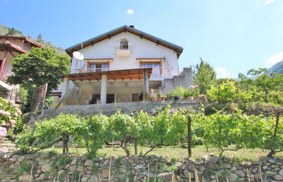 Till salu ett hus med öppna landskap