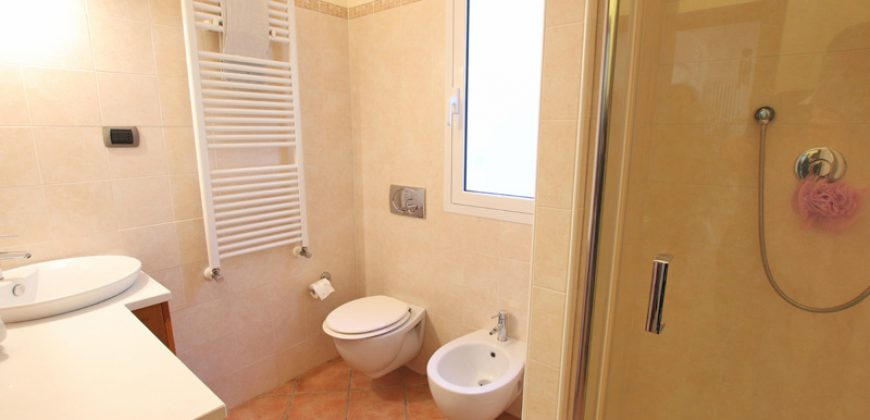For sale a recent built villa in Diano Roncagli