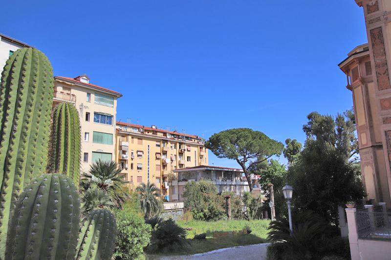 Vendesi bell'appartamento in Bordighera