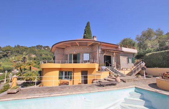 Till salu en unik villa i Bordighera