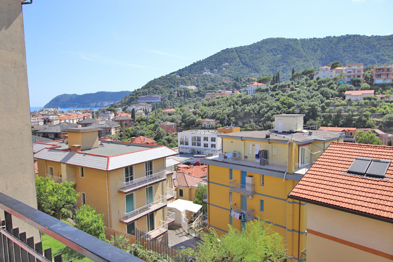 For sale a lovely apartment in Alassio