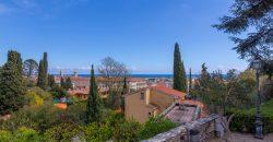 Selling renewed apartment in Alassio
