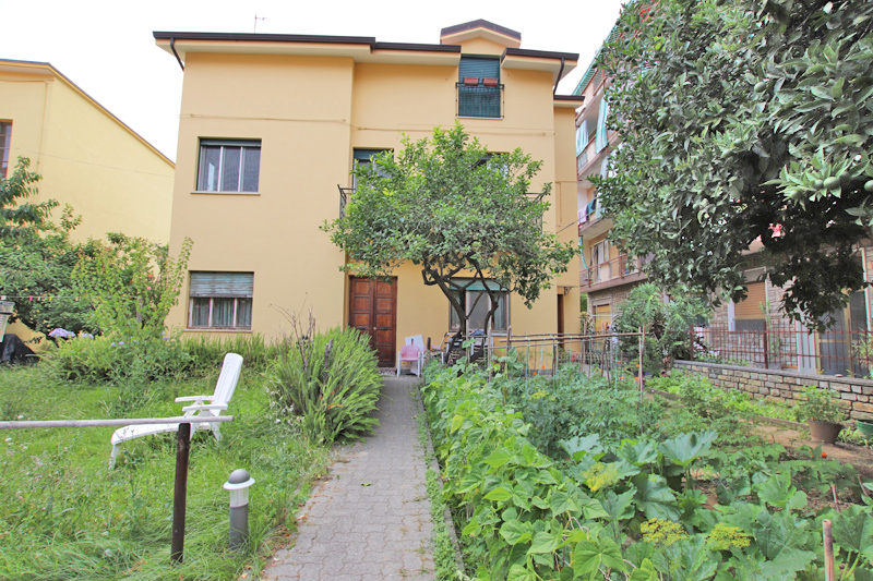 For sale a comfortable apartment in Arma di Taggia