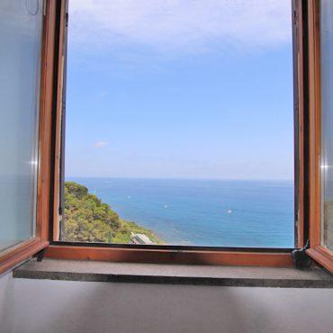 Till salu en lägenhet med underbar panorama!