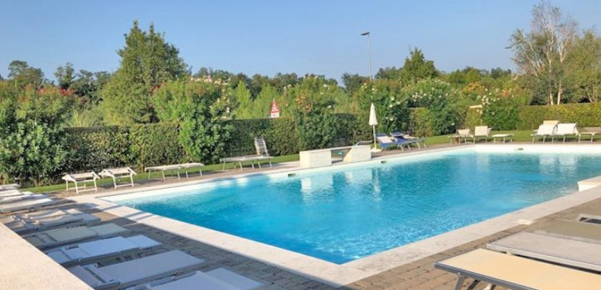 For sale a lovely duplex with pool