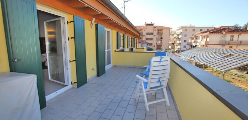 For sale a trendy apartment with large terrace!