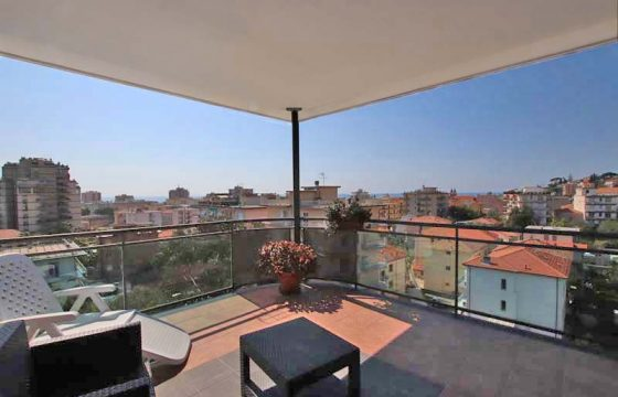 For sale a penthouse with lovely terrace